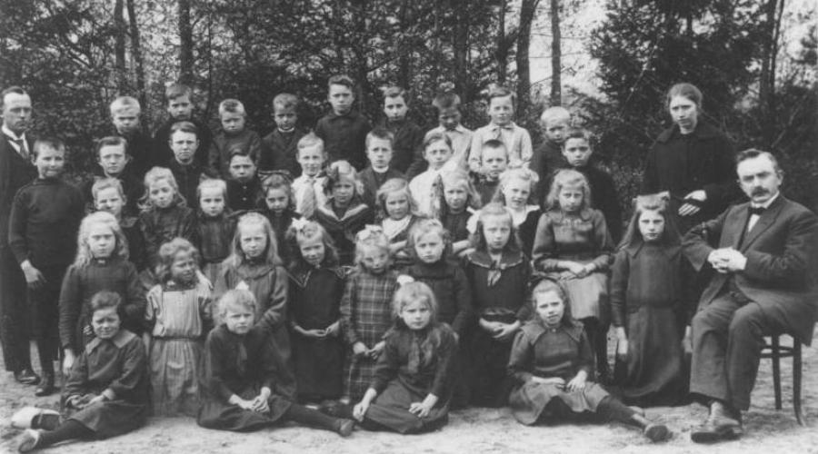 Groepsfoto 1922B