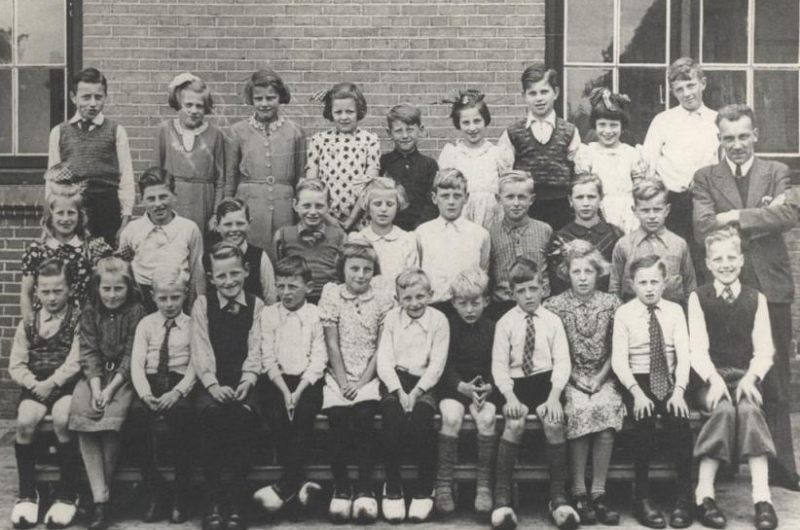 Groepsfoto 1946?? Joep van Burgsteden
